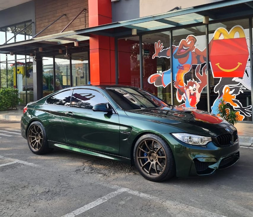 ///M4 wrapped green